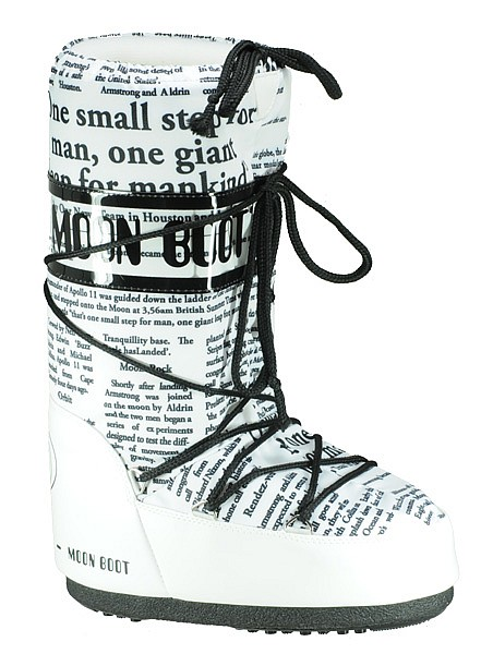 The Newspaper Moon Boot!