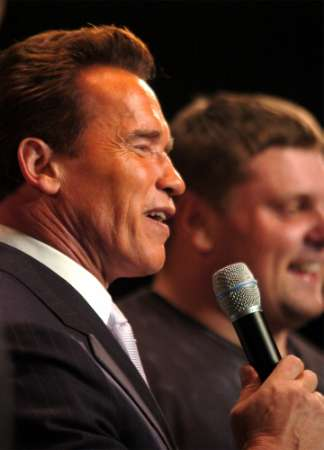 What rhymes with Schwarzenegger?