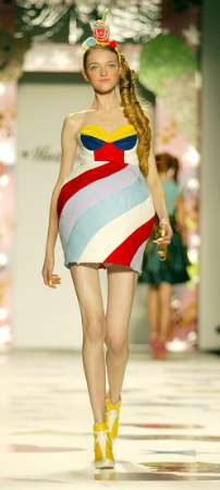 Do clothes designers hate the womens. Please discuss.