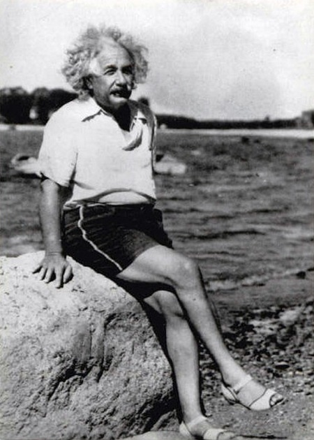 Einstein in mandals? You would never see Isaac Newton in mandals